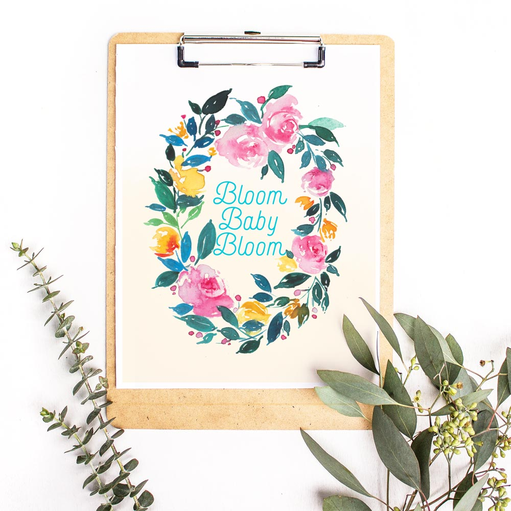Grab this spring themed free watercolor floral printable and make your walls pretty ! | Inkstruck Studio